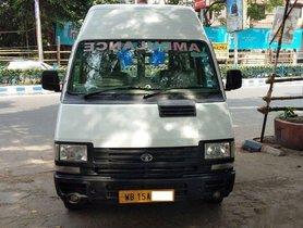 Used Tata Winger MT car at low price