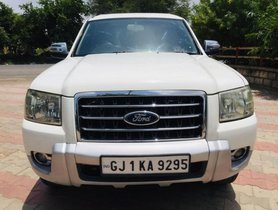 Used Ford Endeavour 2.5L 4x2 MT car at low price