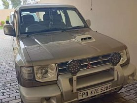 2009 Mitsubishi Pajero SFX MT for sale at low price