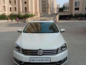Used Volkswagen Passat AT car at low price