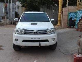 Toyota Fortuner 2009-2011 3.0 Diesel MT for sale