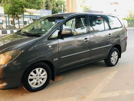 Used Toyota Innova MT 2004-2011 car at low price