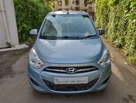 Used Hyundai i10 AT car at low price