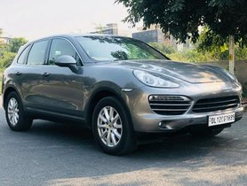 Used Porsche Cayenne Diesel AT car at low price