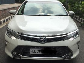 Toyota Camry 2.5 Hybrid AT 2016 for sale