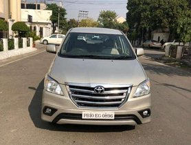 Used Toyota Innova MT car at low price