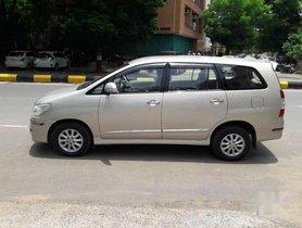 Toyota Innova 2.5 V 8 STR, 2014, Diesel MT for sale