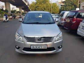 Used Toyota Innova MT 2004-2011 car at low price in New Delhi