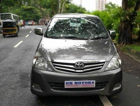 Toyota Innova 2004-2011 2.5 V Diesel 8-seater MT for sale in Mumbai