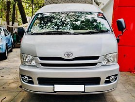 Toyota Commuter 2010 MT for sale in Pune