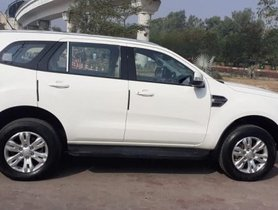 Used Ford Endeavour AT car at low price in New Delhi