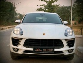 Porsche Macan 2013-2019 Turbo AT in New Delhi
