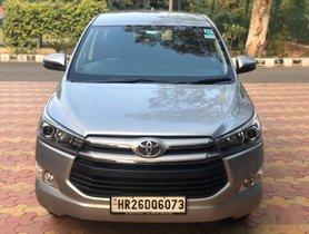 Toyota Innova Crysta 2.4 VX MT BSIV in New Delhi