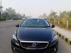 Volvo V40 Cross Country D3 Inscription, 2015, Diesel AT for sale in Karnal