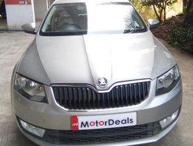 Used 2015 Skoda Octavia Ambition 2.0 TDI AT for sale in Mumbai
