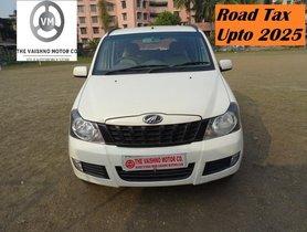 Mahindra Quanto C8 MT 2015 for sale in Kolkata
