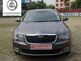 Skoda Superb 2009-2014 1.8 TFSI MT in Kolkata