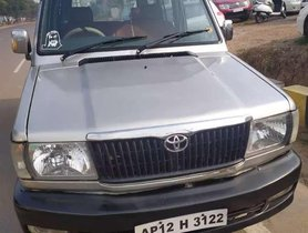 Used 2003 Toyota Qualis MT for sale in Hyderabad