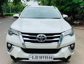 Used Toyota Fortuner AT car at low price in Ahmedabad