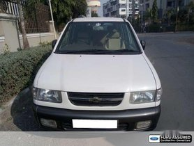 Used Chevrolet Tavera MT car at low price in Ahmedabad