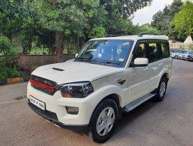 2015 Mahindra Scorpio S4 Diesel MT in New Delhi