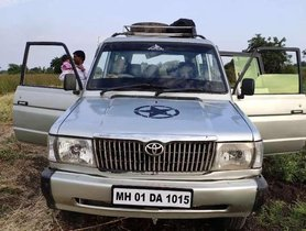 2001 Toyota Qualis MT for sale in Solapur