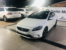 Used 2016 Volvo V40 AT for sale in Pune