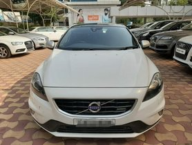 Used Volvo V40 D3 R-Design AT 2015 in Hyderabad