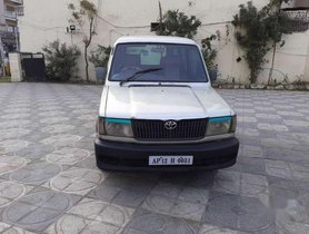 Used 2002 Toyota Qualis GS C1 MT for sale in Hyderabad