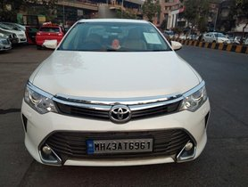 2015 Toyota Camry 2.5 G AT for sale at low price in Mumbai