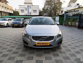 2014 Volvo S60 D4 Momentum AT in Surat