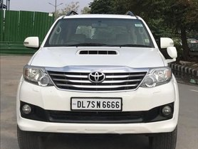 Used 2013 Toyota Fortuner 4x2 AT car at low price in New Delhi