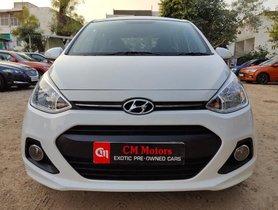 Hyundai i10 2016 Magna AT for sale in Ahmedabad