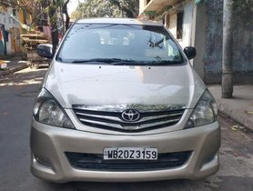 2010 Toyota Innova MT 2004-2011 for sale in Kolkata