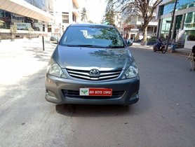 Used 2010 Toyota Innova 2.5 VX 8 STR BSIV MT car at low price in Bangalore