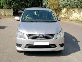 2013 Toyota Innova 2.5 GX 7 STR BSIV Diesel MT in New Delhi