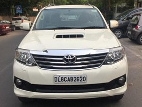 Toyota Fortuner 4x2 Manual 2013 MT for sale in New Delhi