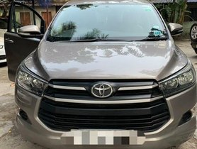Toyota Innova Crysta 2.4 G MT 2016 in Kolkata