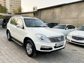 2013 Mahindra Ssangyong Rexton RX7 AT for sale in Ahmedabad