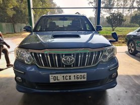 2013 Toyota Fortuner 4x2 AT for sale in New Delhi