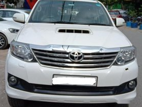 Toyota Fortuner 4x2 Manual 2015 MT for sale in New Delhi