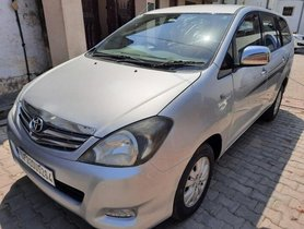 2011 Toyota Innova 2004-2011 MT for sale in Lucknow