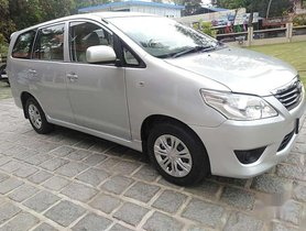 Used Toyota Innova 2012 MT for sale in Kochi