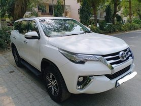 2017 Toyota Fortuner 4x2 AT in New Delhi