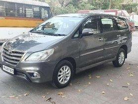 Toyota Innova 2.5 V 8 STR, 2013, Diesel MT in Mumbai