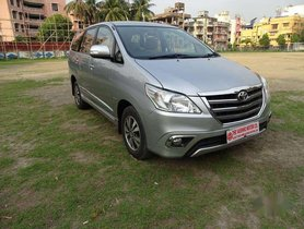 Used Toyota Innova 2.5 V 8 STR, 2015, Diesel MT for sale in Kolkata