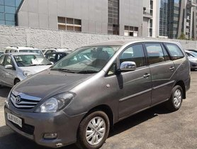 Used Toyota Innova 2.5 VX 8 STR 2009 MT in Ahmedabad
