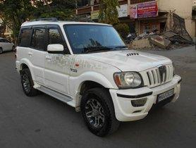 Mahindra Scorpio SLE BSIV 2013 MT for sale in Mumbai