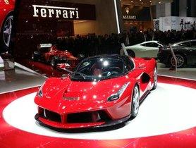 Ferrari LaFerrari Hits 372 Kmph On An Autobahn - Video