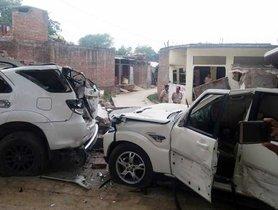 JCB Demolishes Toyota Fortuner & Mahindra Scorpio Of UP Gangster [Video]